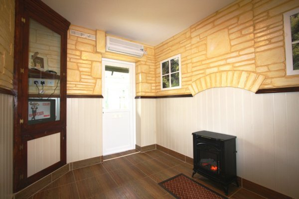 Luxury pet hotel at top dog kennels in york yorkshire for Country cottage kennel